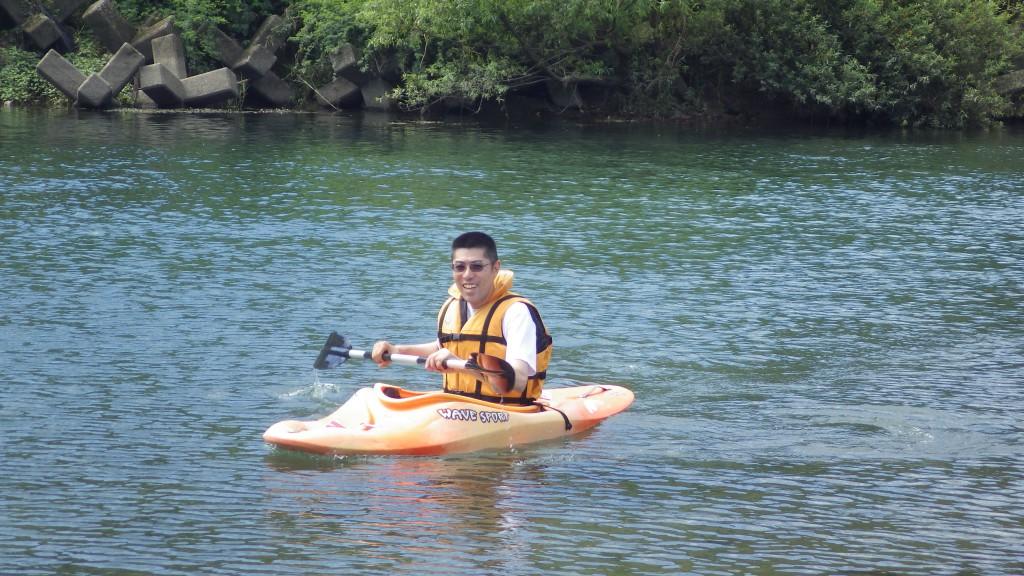カヌー・カヤック体験は初心者でもトライしやすいアクティビティです。