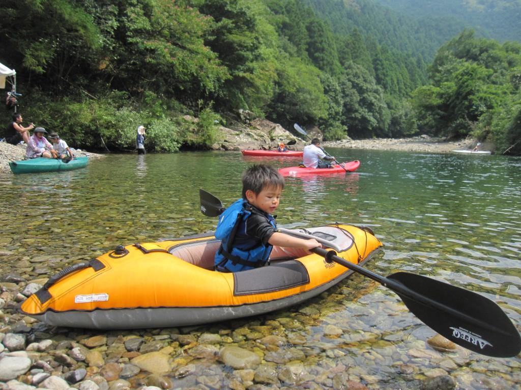 むぎ青空プロジェクトでは徳島県でカヌー・カヤック体験を実施しています。 - コピー